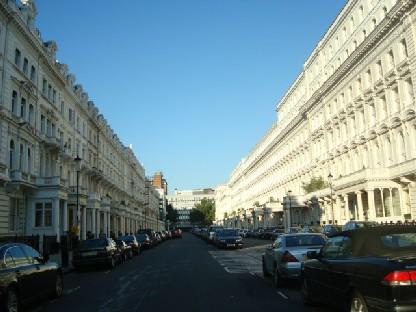 ロンドンの集合住宅.JPG